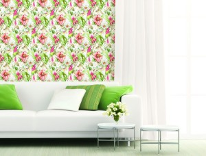 Living room with coral and green tropical flowers and leaves wallcovering
